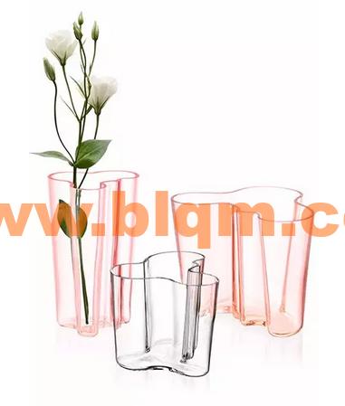 玻璃花瓶-世界设计大师 · aalto设计的传奇湖泊花瓶